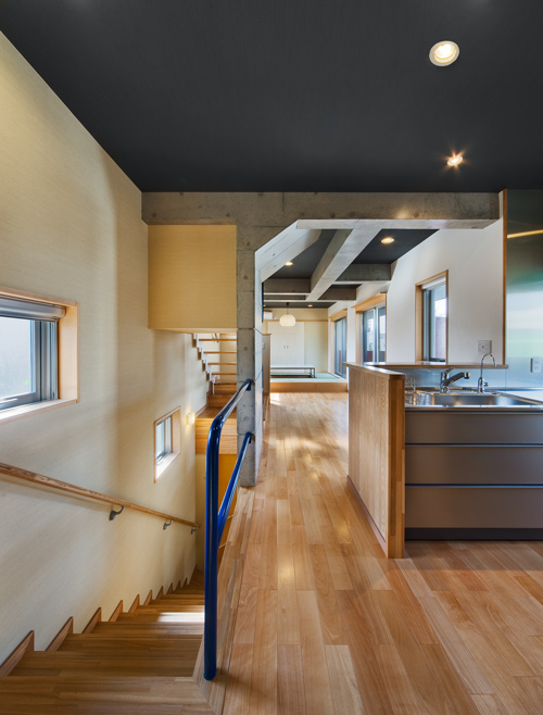 スチール階段 ステンレスキッチン