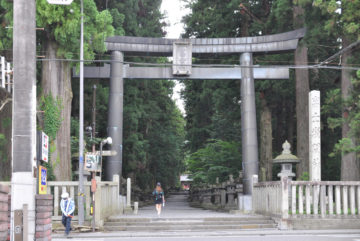 北口本宮冨士浅間神社の参道の画像