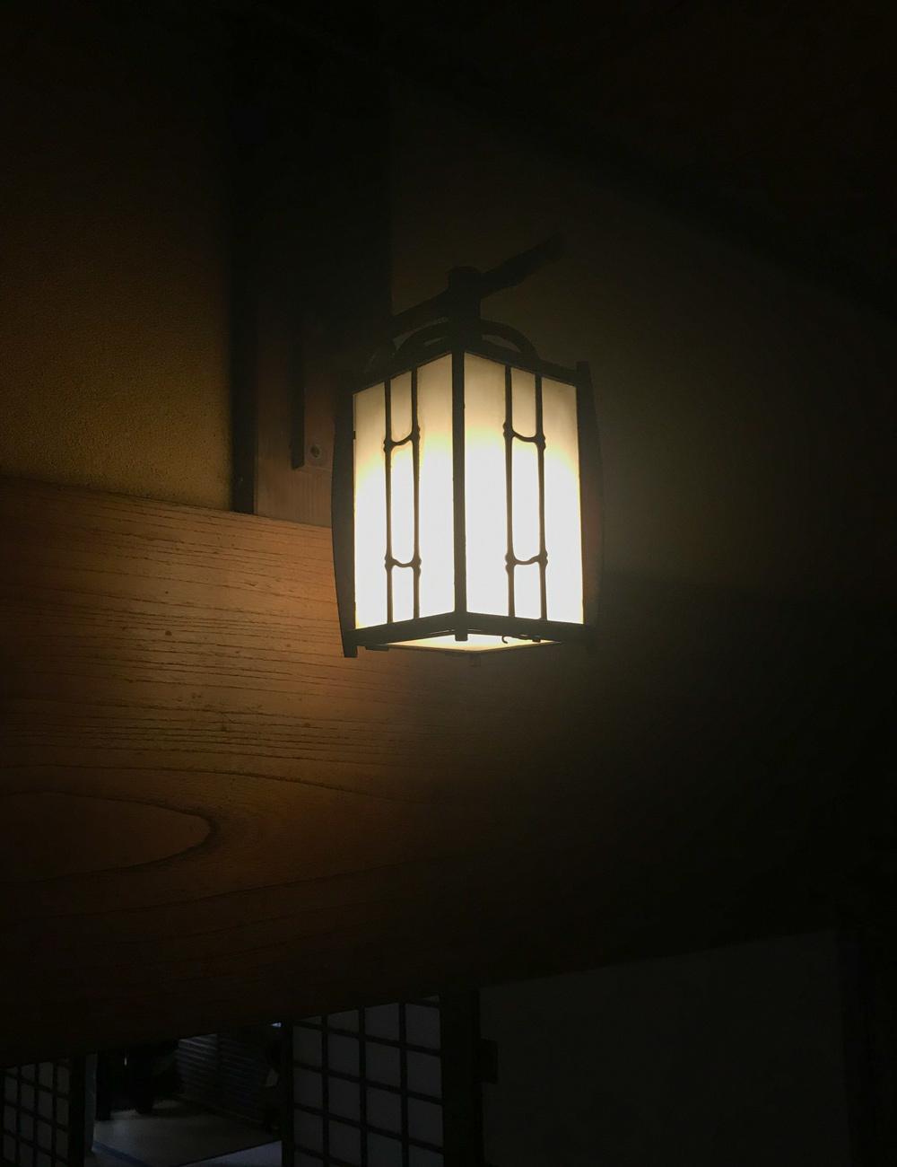 和風のブラケットライト