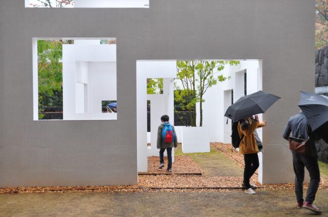 「大嘗宮」から「窓展:窓をめぐるアートと建築の旅」に変更の画像