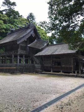 【同じ国宝なのですが・・・。】「松江城」と「神魂(かもす)神社」の画像