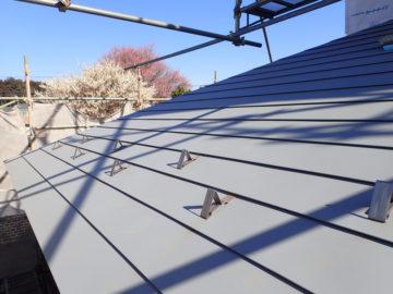 【なぜ屋根に雪止め金物がついているか?】埼玉の設計事務所の家づくりの画像