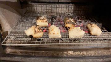 【薪ストーブで、冷蔵庫に残った正月のお餅を整理】埼玉の薪ストーブのある暮らしの画像
