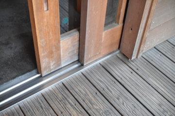 【玄関引き戸の戸袋掃除】設計事務所の家づくりの画像