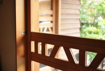 10年経過の玄関木製ドアを『アク洗い』(DIY)でキレイにの画像