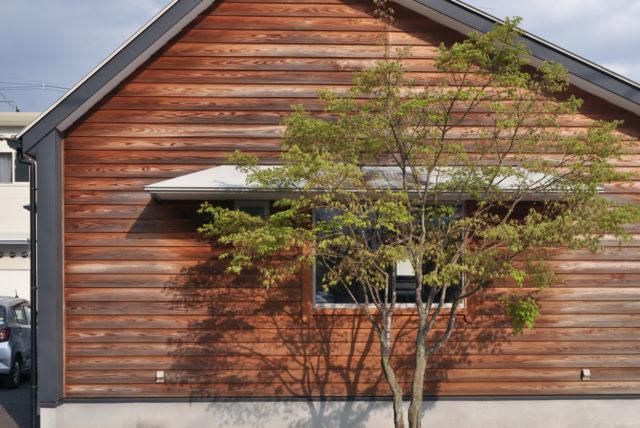 【完成から8年経過】 外壁(西側):杉板南京下見張りの様子の画像