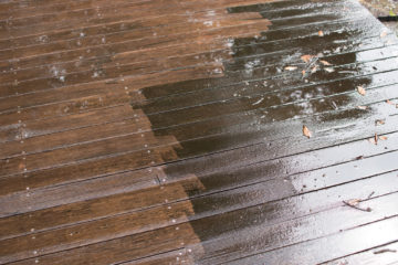 【デッキ材(セランガンバツ材)の高圧洗浄】家のメンテナンスの画像