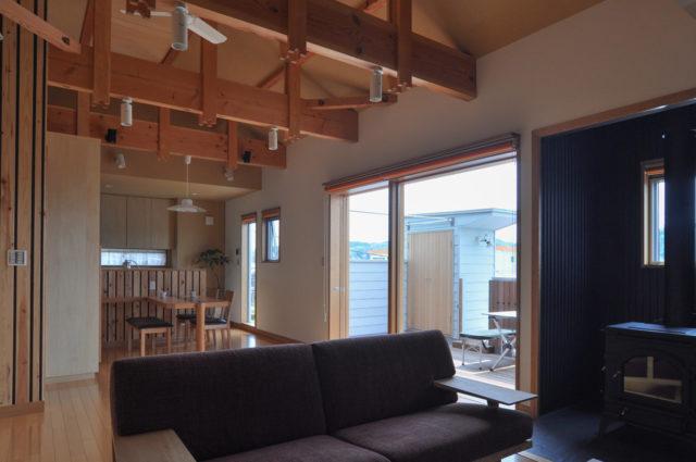 【2階リビング 薪ストーブと外タラップのある家】(入間市)設計事務所の家づくりの画像