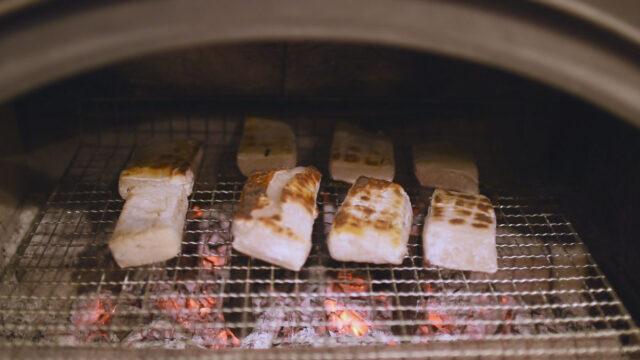 薪ストーブで正月の残りの「お餅」を焼く!の画像