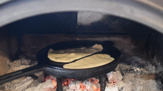 【薪ストーブ&ダッチオーブンで『ナン』を焼く】埼玉の設計事務所の画像