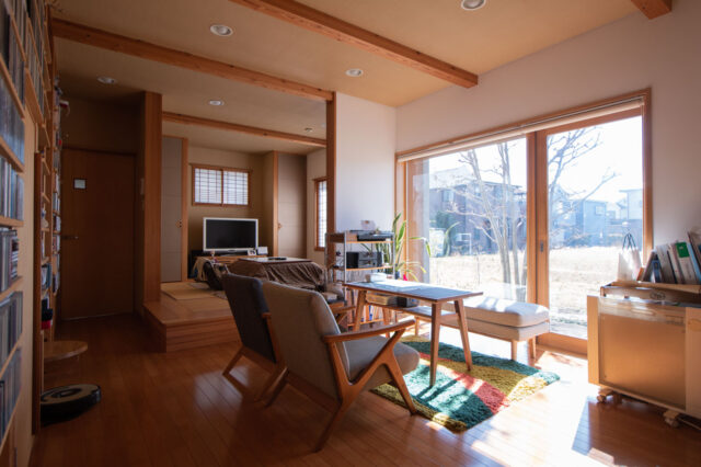 屋根のある「インナーデッキ」と音楽を愉しむための家(木造新築から13年経過)の画像