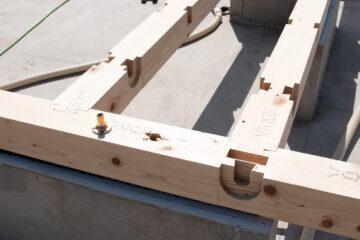 【木造一戸建て新築住宅の現場】土台敷き作業(入間市)の画像