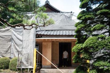 古民家改修(リノベーション)現場で電気の打ち合わせ(所沢市)の画像