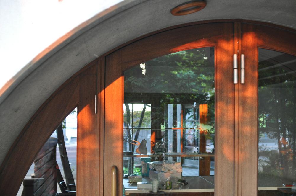 木製玄関ドア 建築家 独楽蔵