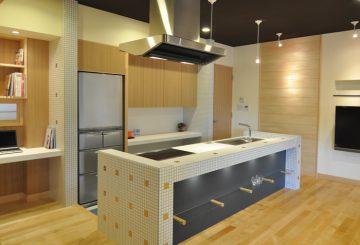 対面キッチン(オープンタイプ)の画像