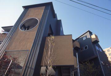 多摩川沿いの眺望を楽しむ:3階建て オフィス兼住宅の画像