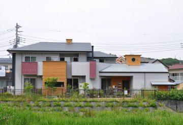 ガレージと吹き抜けリビングの家(東京都八王子市)の画像